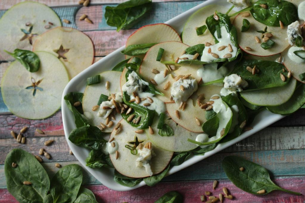 Jablkový salát se špenátem